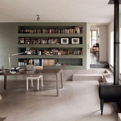 Living Room: Minimal: Floor to Ceiling Shelves
