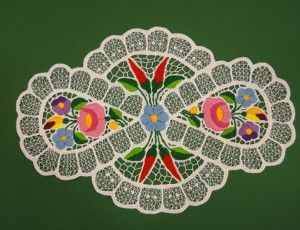 In the itsHungarian folk art gallery we give prominence to the familiarization of the world of the beautiful Hungarian embroidered tablecloths. - See more at: http://www.itshungarian.com/hungarian-gifts-products-store/tablecloths/kalocsai-rishelt-spacer-colorful-strip-pattern-paprika-oval-20-x-30-cm/#sthash.eitTTUQ4.dpuf