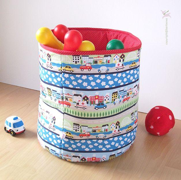 aufbewahrung box kinderzimmer jungen mit autos for baby. Black Bedroom Furniture Sets. Home Design Ideas