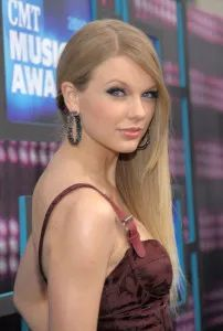 Blondes, Baubles and Bad Taste at the CMT Awards - Jewelry Insider
