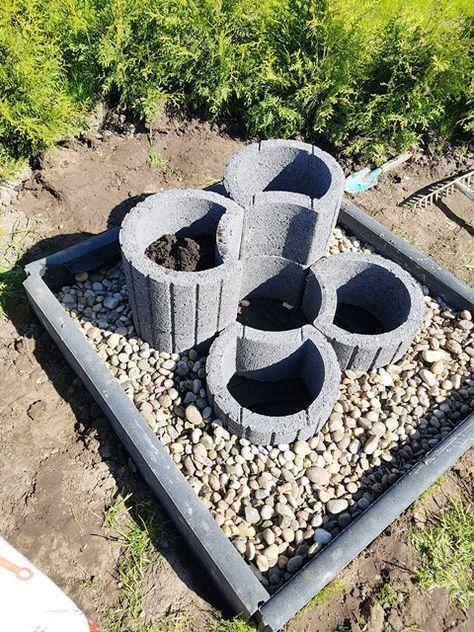 Kruidenbed gemaakt van plantenringen – Dauercamper.info #dauercamper #krauterbeet #pfla … – #aus …  – Gartenarbeit Ideen