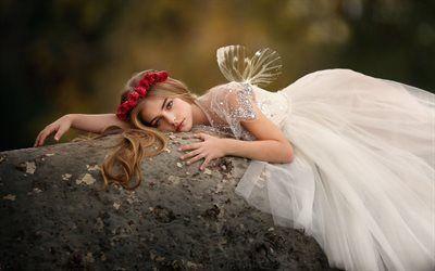 Scarica sfondi pietra, ragazza, fata foresta, corona