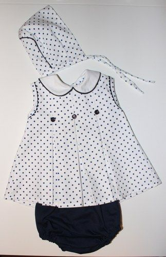 14 eurosNUEVO, un solo uso. Precioso vestido talla 3 meses marca ZARA HOME, adornado artesanalmente con detalles de lazo de raso, con braguita a juego de BOBOLI...