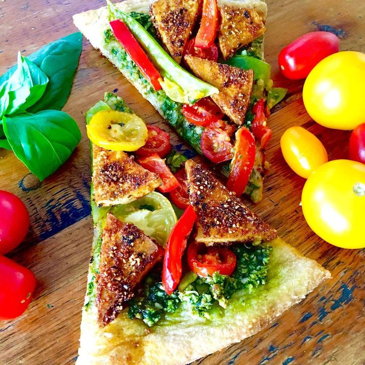 Blackened Tofu Pesto Pizza  Who needs cheese when you've got all of this flavour on top of a pizza crust?