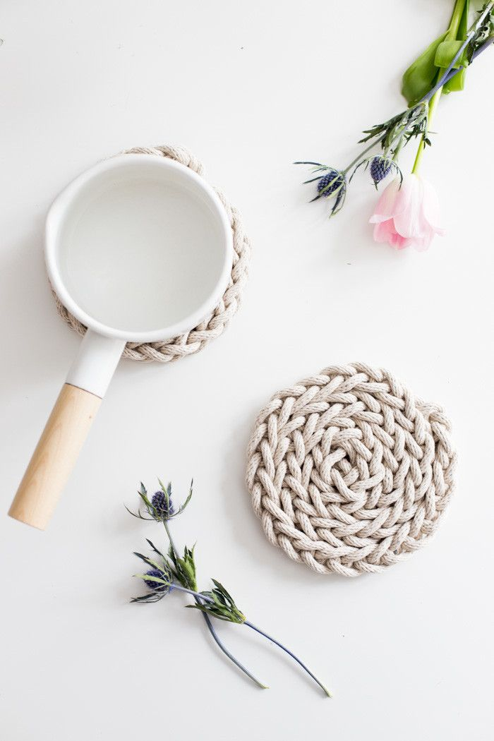 Beautiful DIY Finger Knit Rope Trivet Tutorial! Perfect easy Mothers Day gift!