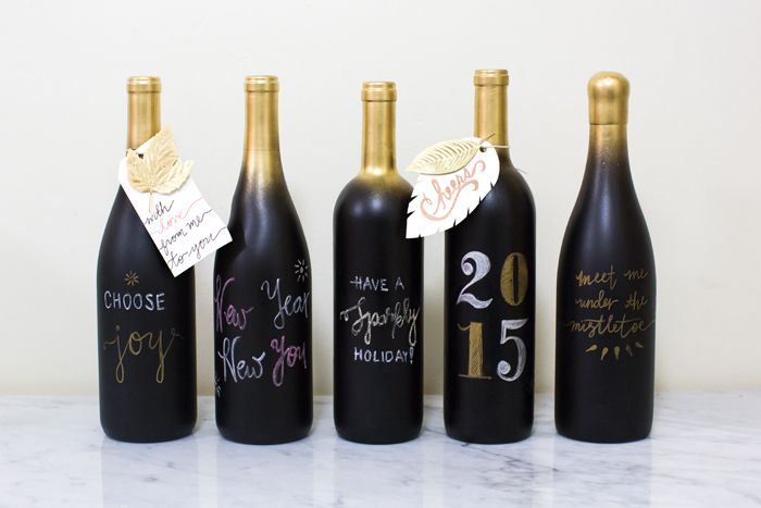Remake wine bottles to your table decoration with custom for Diy wine bottle gifts