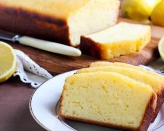 Gâteau au yaourt sans œufs : http://www.fourchette-et-bikini.fr/recettes/recettes-minceur/gateau-au-yaourt-sans-oeufs.html