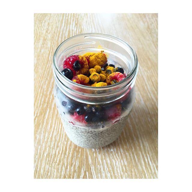 Workout and healthy breakfastpudding Chia #coconutmilk #fruit #curcuma #fat #healthyplanbyann #annalewandowska