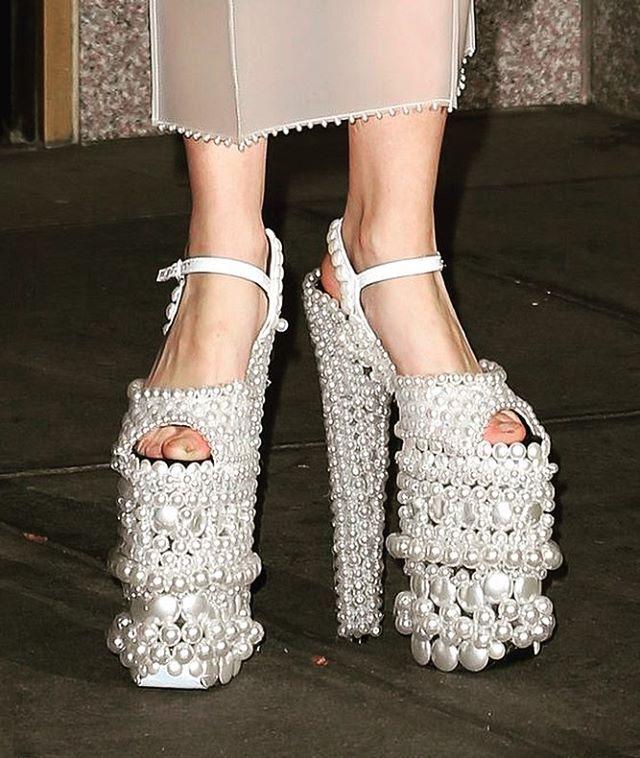 low priced ae5ba 0f89f Lady Gaga pearlshoes #shoelovin #schoenen ...
