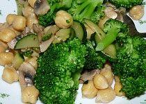 Žampiony s brokolicí a cizrnou