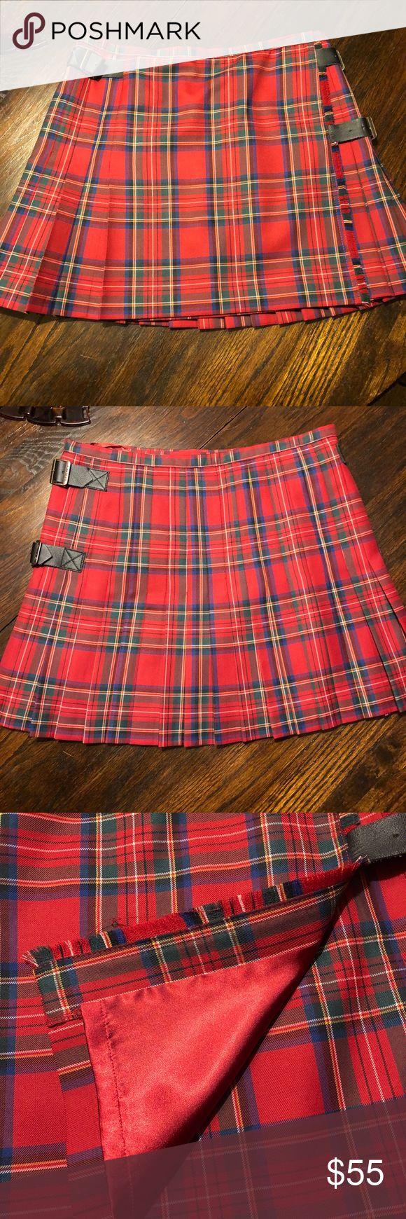 "Gant tartan skirt Gant tartan plaid wrap kilt skirt. Side fringe with leatherette buckle closure. Pleated around side and back. 16.5"" Long. Gant Skirts Mini"