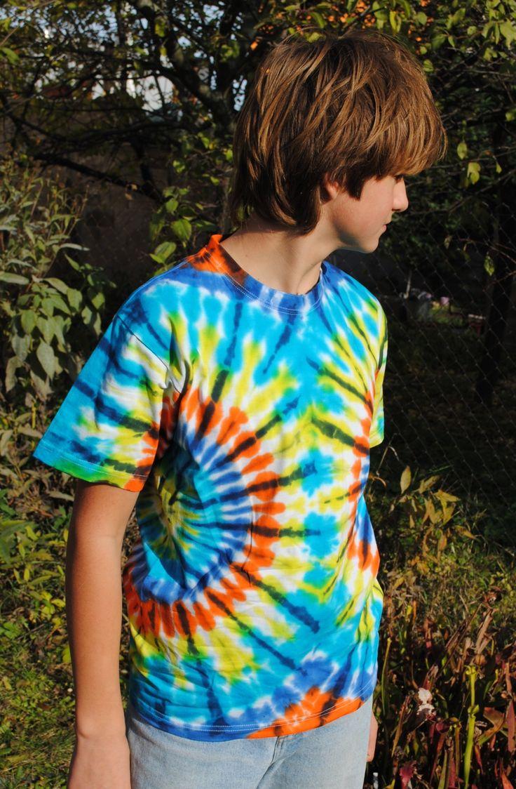 Výprodej+-+Tričko+S+-+Dvě+slunce+Originální,+pánské,+batikované+tričko+velikost+S,+100+cm+přes+prsa,66+cm+délka.+100%+bavlna.+Barveno+kvalitními+reaktivními+barvami,+první+praní+doporučuji+v+ruce,+další+v+pračce+při+teplotě+30+-+40st.+100%+bavlna190+g/m2
