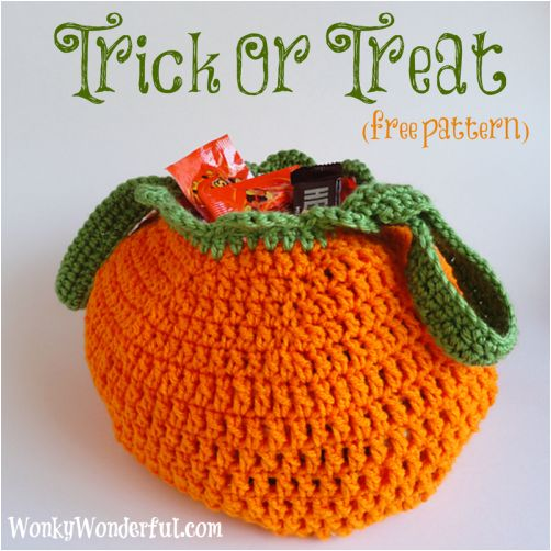 Love this Trick Or Treat Bag (Free Pattern)