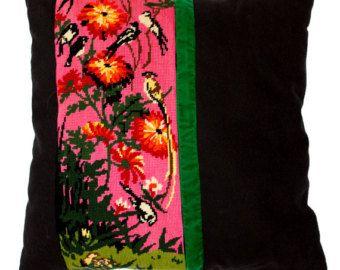 Coussin en tapisserie canevas brodé - Les hirondelles