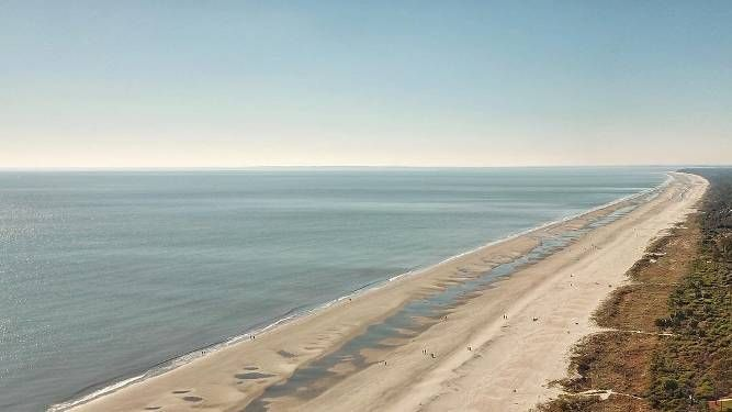 This is absolutely my favorite time of year to hit the beach. Coligny Beach is by far the most popular beach on Hilton Head.