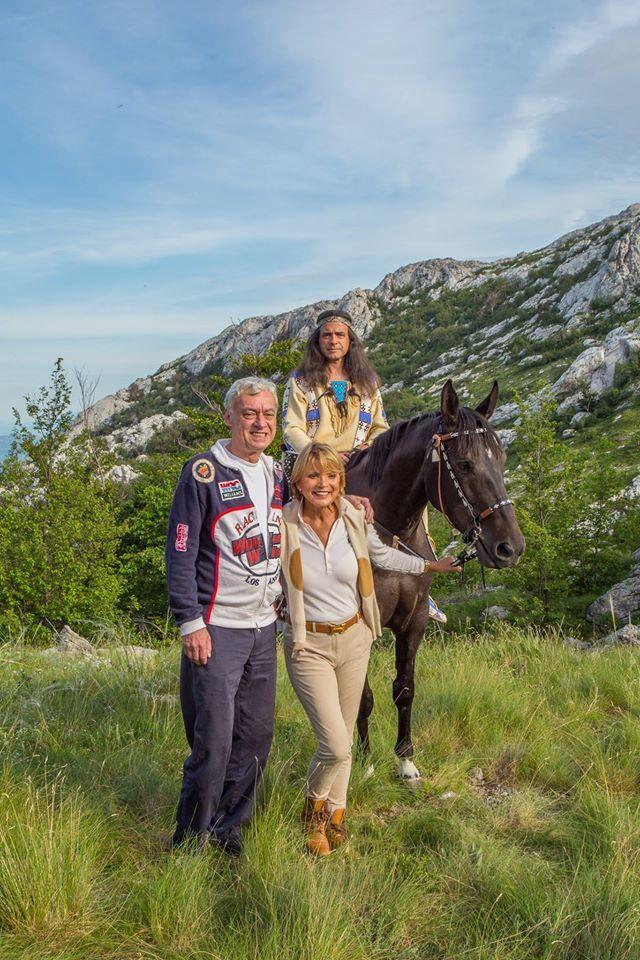 "Marin Ćosić(Happy) mit Uschi Glas(Apanatschi) am Prezid, Velebit 2016. Jubilaeumsfest 50 Jahre ""Winnetou und Halblut Apanatschi"""