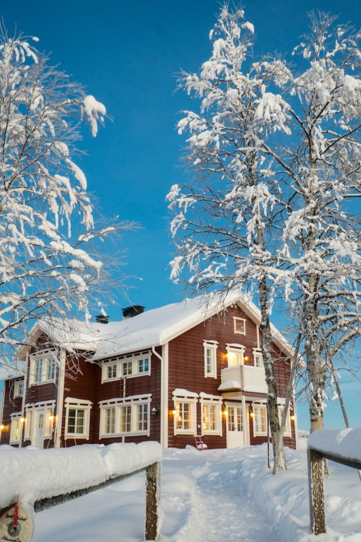 Welcome to the Arctic Circle: beautiful, snowy Äkäslompolo, and the surrounding Ylläsjarvi, Kolari, and Ylläs ski resort in Finnish Lapland.