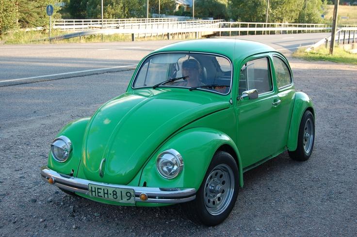 Mehtosen Mikko päätti harrastajan rohkeudella kokeilla auton maalaamista ja tässä komea lopputulos.