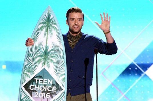 Молодежная премия Teen Choice Awards 2016: красная дорожка и победители