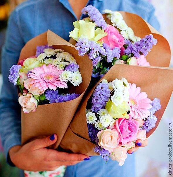 Купить Удобный и стильный букет в подарок на 8 марта - подарок девушке, подарок на любой случай
