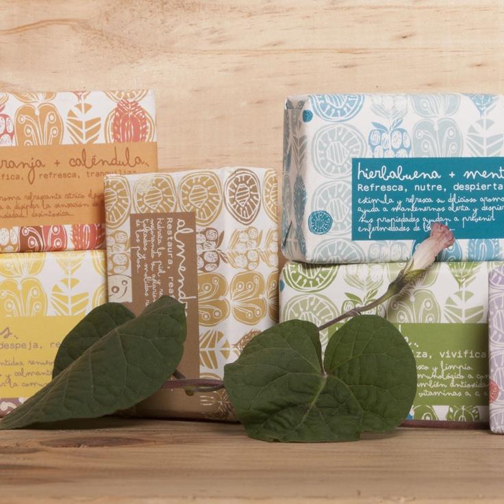 Jabones Estivo: almendras, cítrico, té verde, lavanda, hierbabuena + menta, naranja + caléndula. #beyondBodies  #beauty