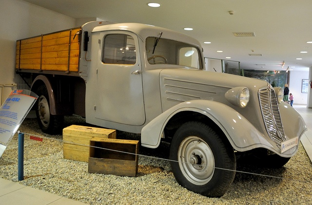 Tatra 43/52 truck (1936)