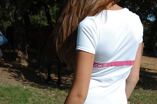 Isabel - white t-shirt with pink ribbon | back