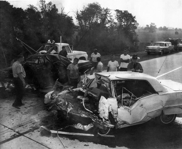 Bildergebnis F 252 R 70er Jahre Unfall Autounfall Unfall