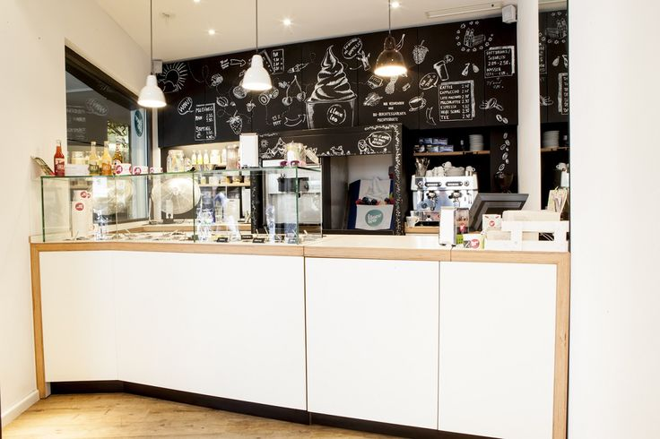Frozen Yogurt - Shop - Interior Design - Rindermarkt - Theke - u-küchen mit theke