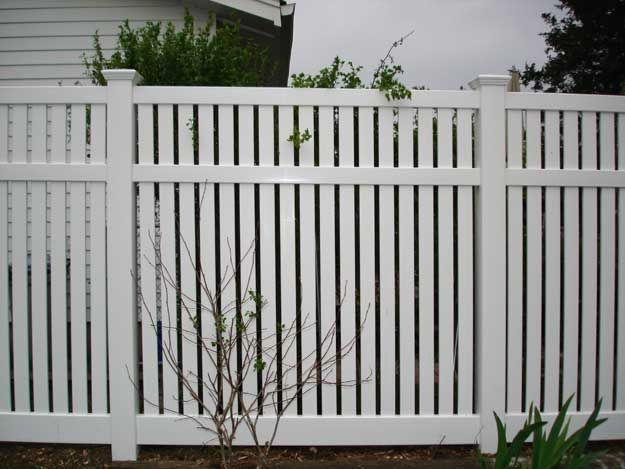 Northwest Cedar | Vinyl Semi-Private Fence Products