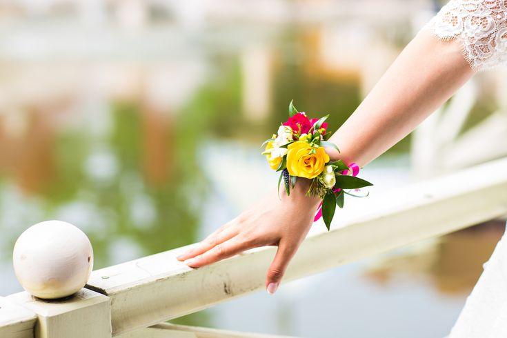 手元から美しい花嫁になれるリストコサージュのアイデア&作り方まとめ