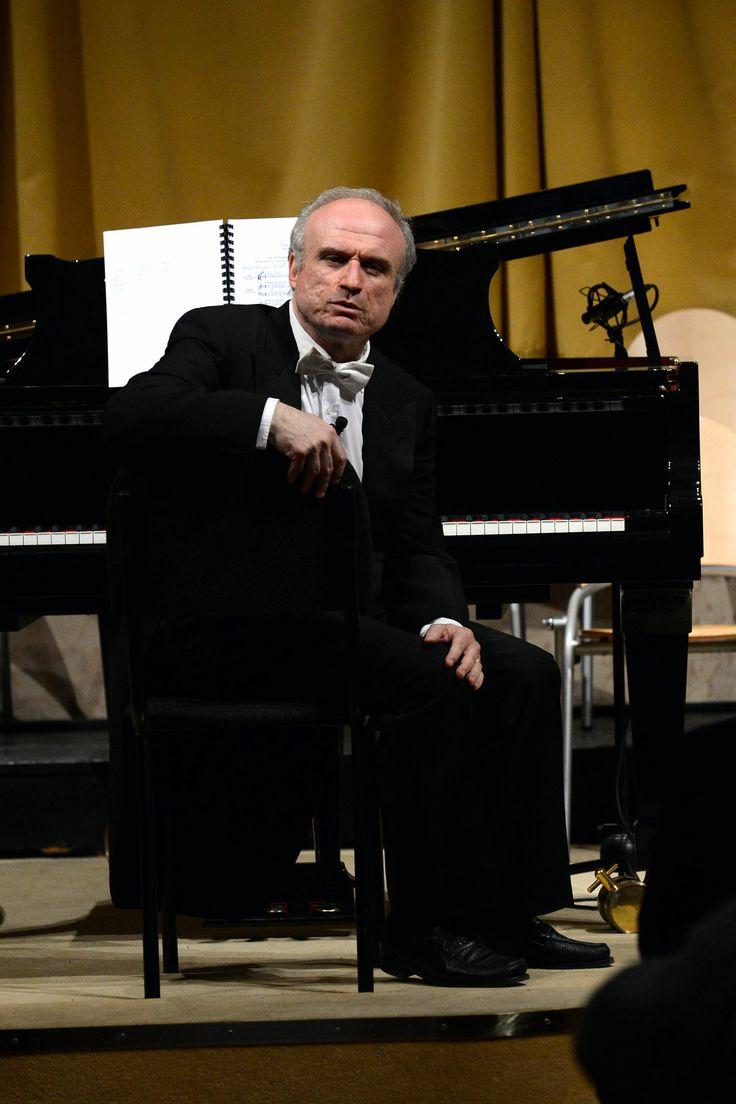 Il M° Martino Faggiani - Via Crucis (Ph. Roberto Ricci)