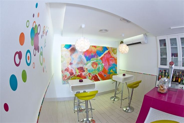 Decoracion moderna heladeria buscar con google ideas for Decoracion moderna
