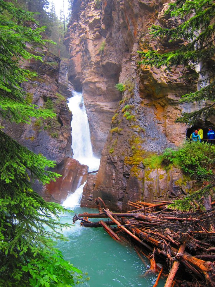 Top attraction in Banff National Park: Johnston Canyon. Follow the canyon-clinging catwalks and cliff-mounting staircases to beautiful waterfalls!