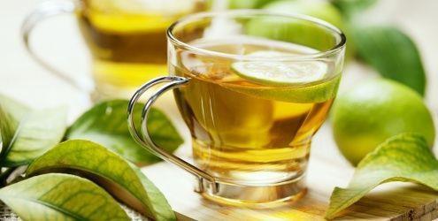 O chá de Capim Limão é um ótimo calmante e pode ser a solução para combater a insônia. Ele deve ser preparado por infusão e se preferir pode colocar um pouco de açúcar. Experimente, você vai adorar!