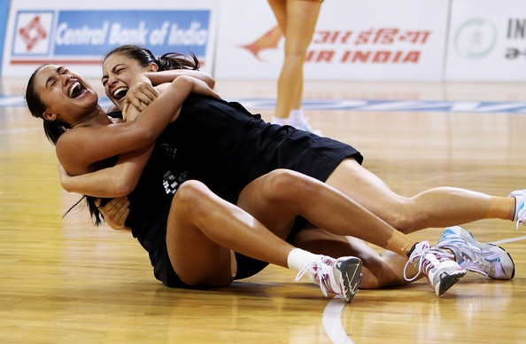Temepara George and Maria Tutaia Photo - 19th Commonwealth Games - Day 11: Netball