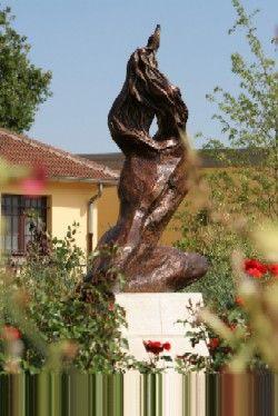 Prométhee de Bernard Augst (bronze). Savigny sur Orge. Calvados