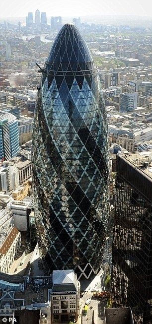 Designer obsessed with London¿s Gherkin crafts diamond and gold pen worth an ink-redible £27,000 | Mail Online