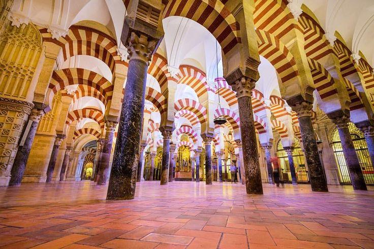 Sabes a que monumento pertenecen estos arcos? Pista: Es un lugar Patrimonio de la Humanidad dentro de una ciudad Patrimonio de la Humanidad.   #sitiosdeespana #patrimoniodelahumanidad #sitiazodeespaña #sitiosdeespaña #spain #españa #turismo #turism #travel #viajar
