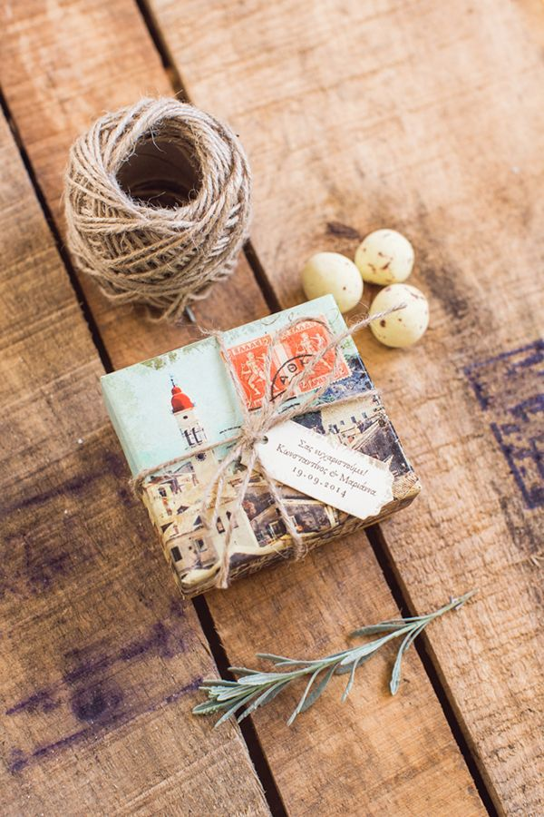 Προσκλητήρια γάμου και prints για τα prewedding και post-wedding πάρτυ με προσωποποιημένο σχεδιασμό και με ιδιαίτερη έμφαση στον προορισμό και τα χαρακτηριστικά του όπως χάρτες, vintage φωτογραφίες του τόπου και φυσικά τα αγαπημένα μας προσκλητήρια καρτ-ποσταλ See Full Post   Photography by PENELOPE PHOTOS