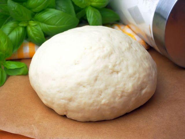 Szefowa w swojej kuchni. ;-): Ciasto na pizzę bez wyrastania / bez rośnięcia - najszybsze, najlepsze