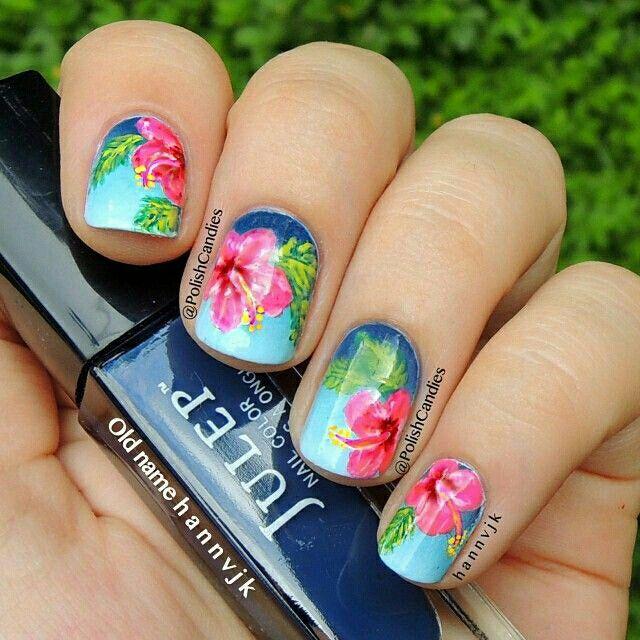Hibiscus summer nail art #hibiscus #summer #nailart