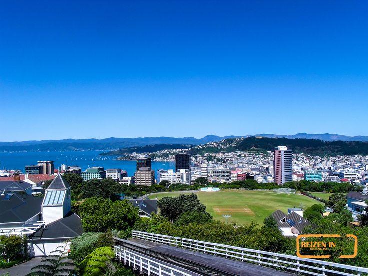 Uitzicht over Wellington vanaf de top van de beroemde cable car.