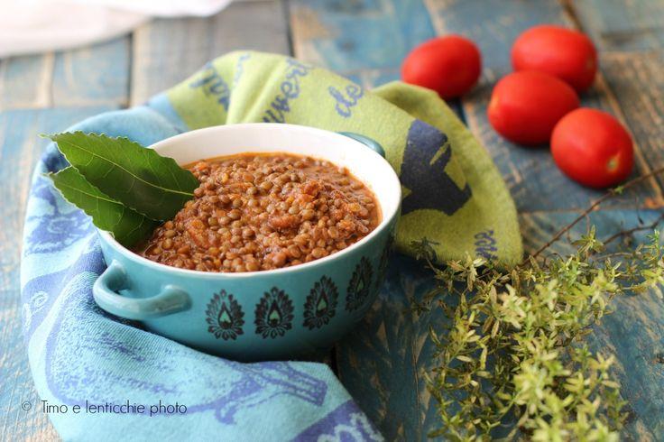 Il ragu di lenticchie ricetta veloce, l'alternativa più sana e gustosa al classico ragu. Proteine vegetali da abbinare ad una pasta per un piatto completo.