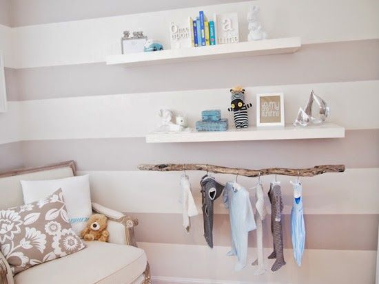 Una piccola nursery piena di luce