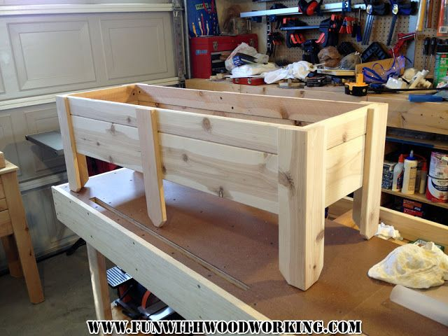 Fun With Woodworking: How to make a planter box out of cedar fence pickets
