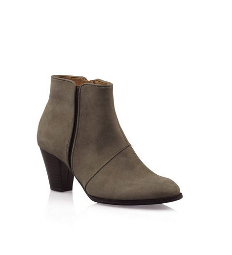 Bonbons - Zealous Boot  Stunning ankle boot in luxe leathers featuring inner zip and elastic gusset.  Heel: 6.5cm    Leather upper, Synthetic Lining & Sole    Was:$119.95 Now:$59.95