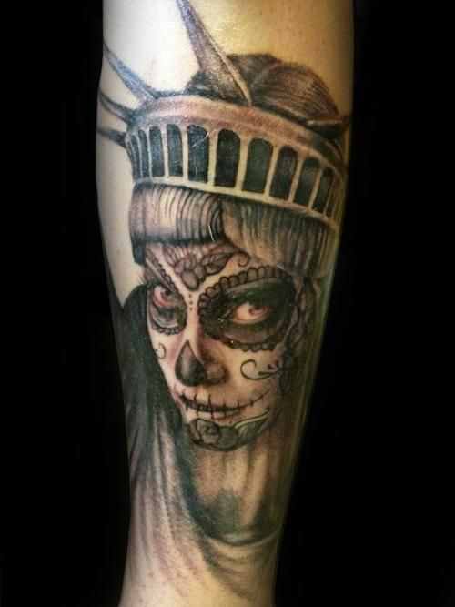 best 25 statue of liberty tattoo ideas on pinterest liberty tattoo statue of liberty and. Black Bedroom Furniture Sets. Home Design Ideas