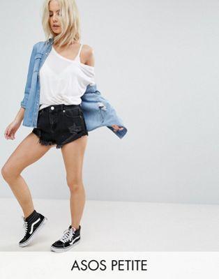 Черные джинсовые шорты с рваной отделкой ASOS PETITE