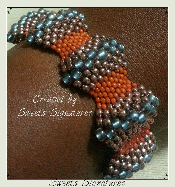 Peyote Wave Bracelet...uses graduated bead sizes...coming soon to etsy...#austinbeadsociety #etsyATX